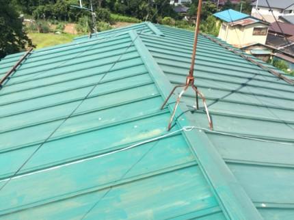 屋根施工前:錆だらけの屋根でした。